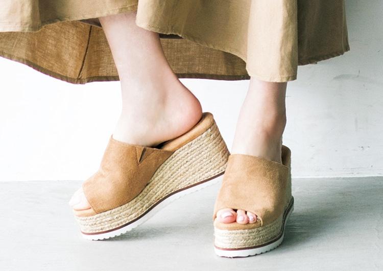 アラサーがこの夏押さえたい厚底靴特集♡シンプルでオシャレなウェッジサンダル3選