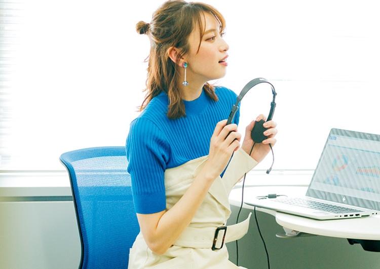 リブニットと細身のジャンスカでデキる女♡アシメなデザインで感度高めの通勤コーデ