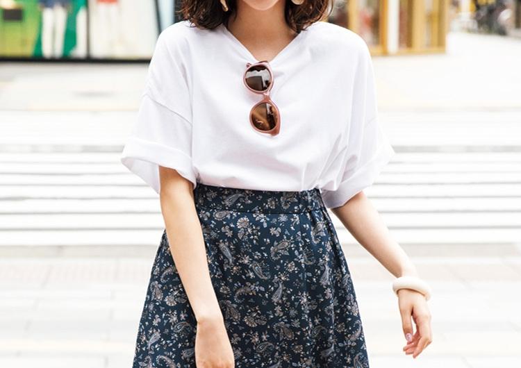 GUのスカートはペイズリー柄が買い!好相性の白Tシャツ合わせでカジュアルコーデ