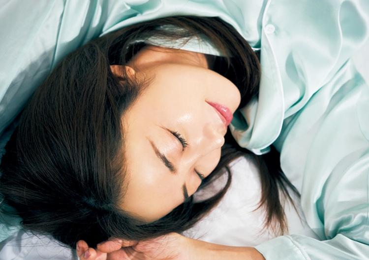 毎日の〝睡眠美容〟で運命の出会いを引き寄せる♡忙しくてもキレイを叶える美容法4選