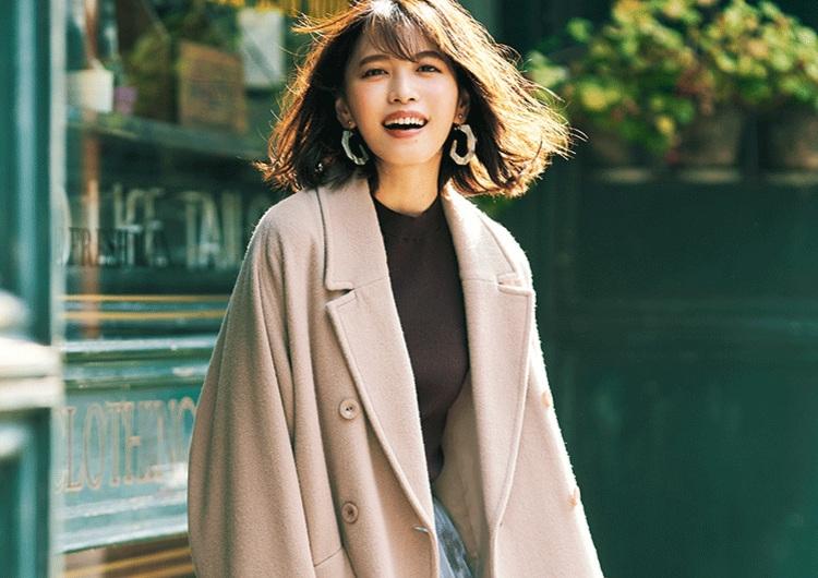 茶系ロングコートは甘い服と相性抜群♡着るだけで今っぽい、ちょい辛口な最旬コーデ