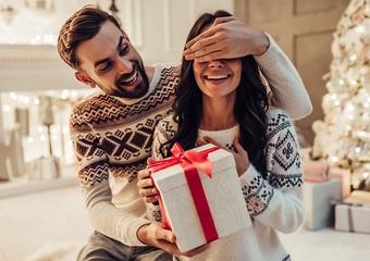 モテる男子はクリスマスに何あげる?アラサー女子に刺さる鉄板アイテムを調べてみた
