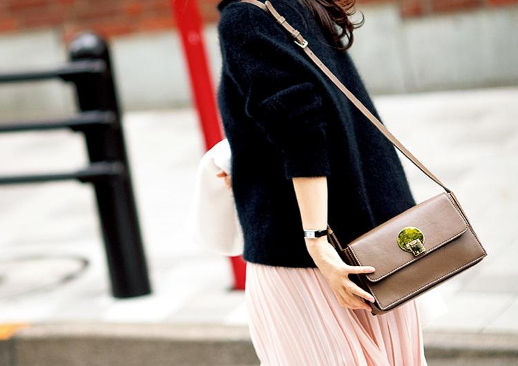 【毎日コーデ】ユニクロのプリーツスカートは落ち着いた可愛さ♡きれいめ通勤コーデ