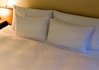 アラサー男子に聞いた!男子が引かない、女子からの〝可愛い〟ホテルへの誘い方♡