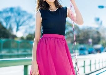 GUの上品ニットは高見えする♡派手色スカートでガーリーに着こなす休日コーデ