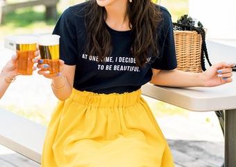 BBQはロゴTシャツとふんわりスカートで好感度高♡甘さを抑えた大人の休日コーデ
