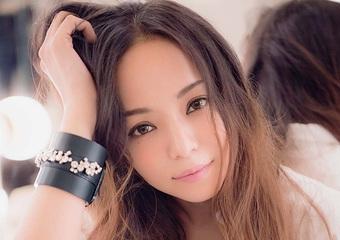 安室奈美恵、思い出の曲で振り返る25年