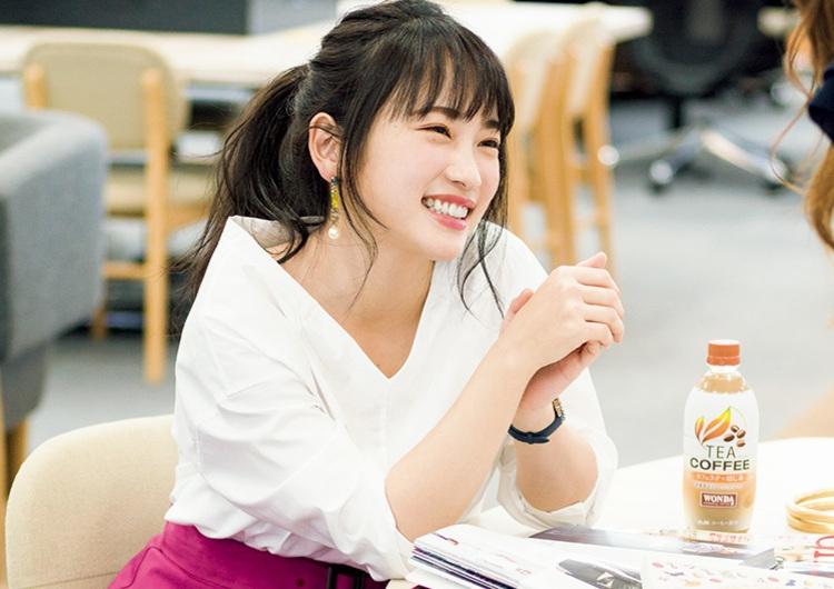 小さめ女子代表、川栄李奈がデキるOLに!強めのカラーを使う華やか配色コーデ2選