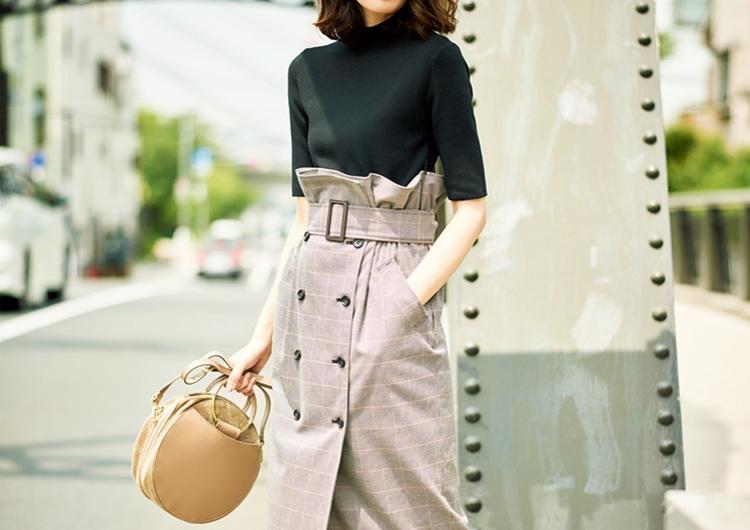 トレンチ風スカートと黒のニットがドッキング♡スタイルUPする時短ワンピコーデ