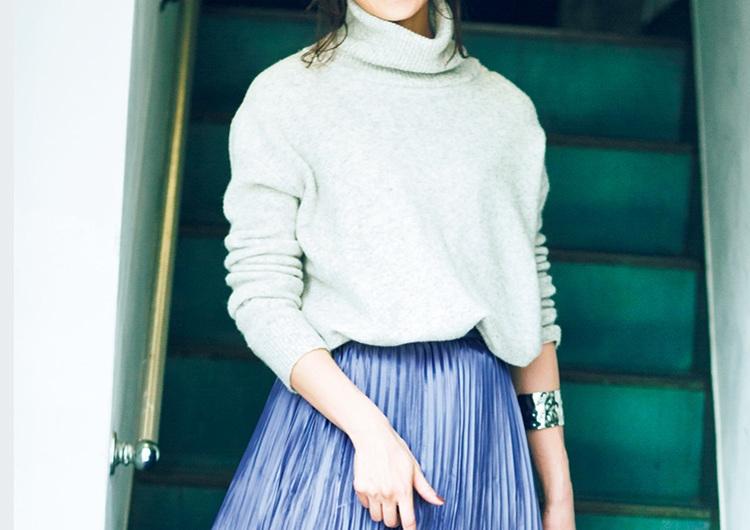 ふんわり揺れて女っぽいプリーツスカート♡タートルでメリハリ素敵な簡単休日コーデ