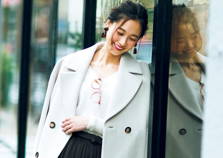 着るだけで華やかになるチュールスカート♡定番色の長め丈コートで大人の休日コーデ