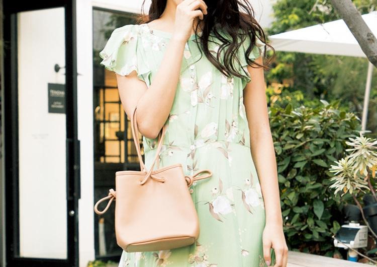 ガーリーな色柄の花柄ワンピで今っぽスタイル♡華やかなディテールのトレンドコーデ