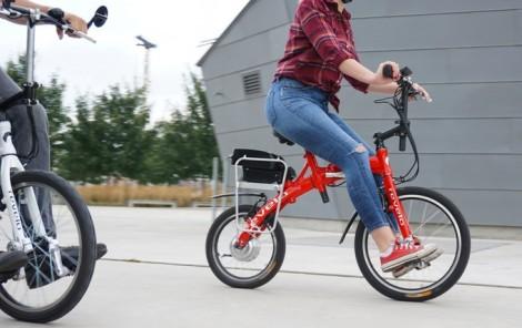 69560c12b2 ペダルは前輪に直接付いているので、通常の自転車とはやや乗り心地が違いそうですね。 チェーンやギア ...