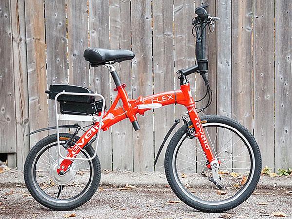6069ffcc2a チェーンもギアもない? スーツケースに入っちゃう折りたたみ自転車『FLEX』. 2015.10.30 d365ガジェット · d365. 001