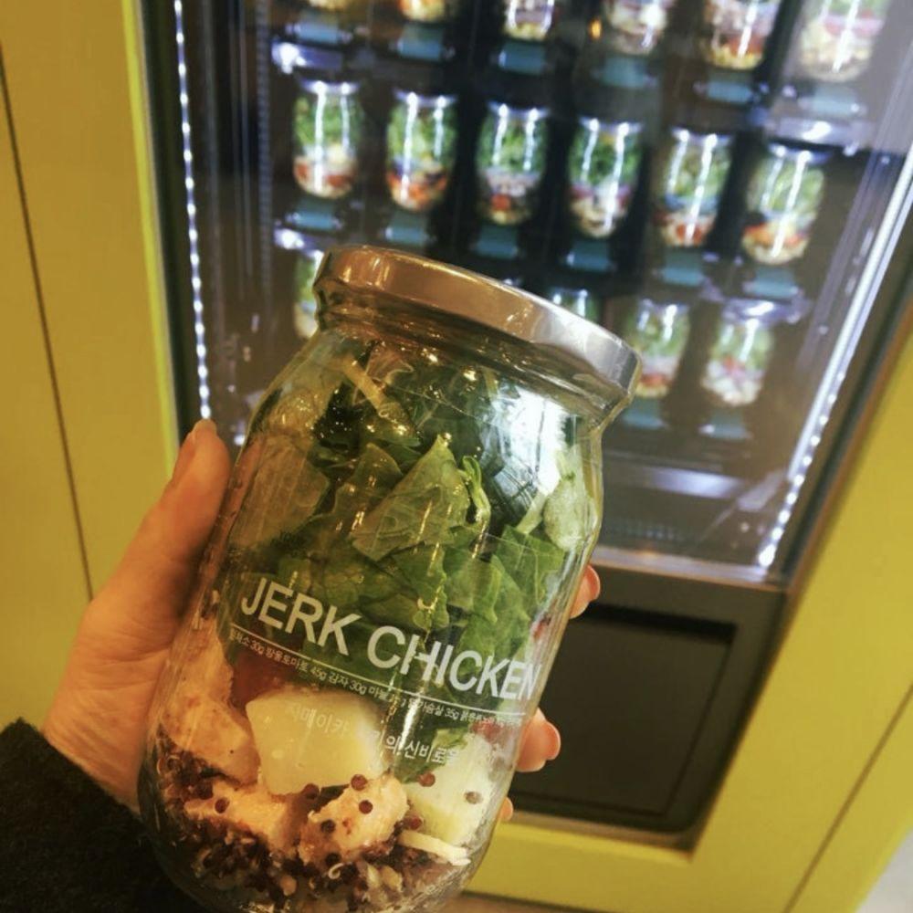 日本上陸希望!韓国 ソウル 新鮮サラダの自動販売機が素敵すぎる!