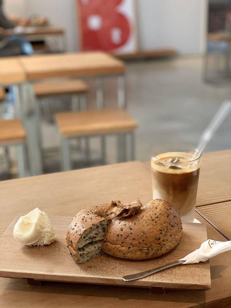 手作りベーグルとこだわりコーヒーが最高♡合井(ハプチョン)のカフェ「FOUR BASIC(フォーベーシック)」