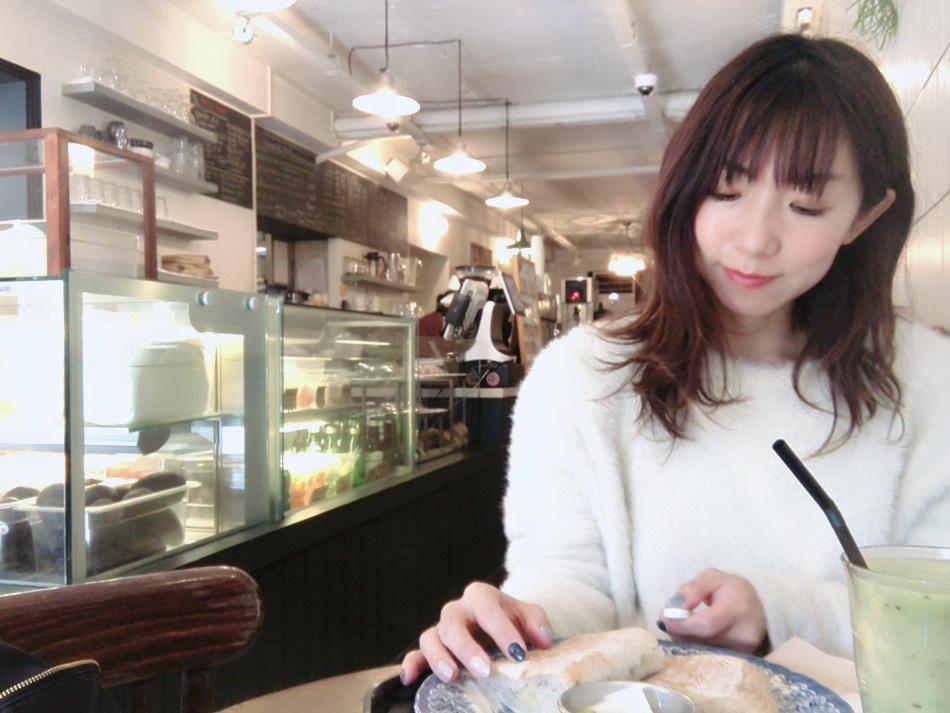 韓国ドラマ「輝く星のターミナル」ロケ地のカフェ♡市庁(シンチョン)駅「LePul(ルプル)」でおしゃれなサンドイッチ&サラダを!